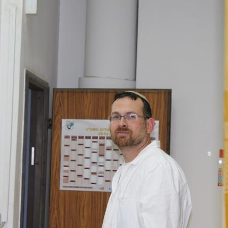 Itzik at the lab