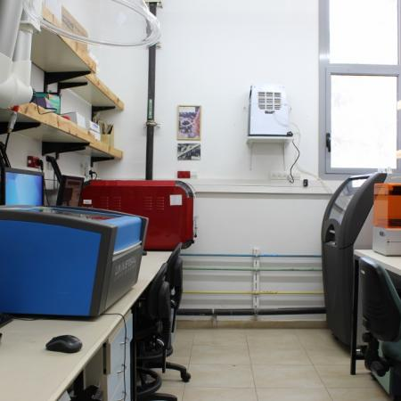 The printing room, shown in this photo is the laser engraving printer, the omnijet 100 2D inkjet printer, Formlabs 3D printer and the Projet 160 printer