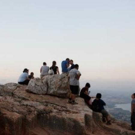 Field trip to the Arbel cliff (Tal Rogovski)