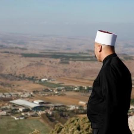 A friend druz observing Nebi Shueib from Khirbet el-'Eika (Tal Rogovski)