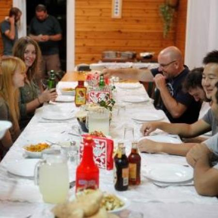 dinner at Arbel holiday homes (Tal Rogovski)