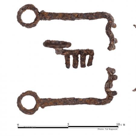 Metal door keys