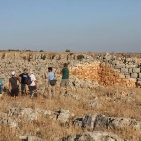 Field trip to a Roman period fortification at Mount Nittai (Roi Sabar)