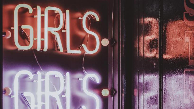 Neon Lights: Girls Girls Girls